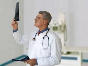 Какой врач лечит артрозы и артриты: к кому обращаться
