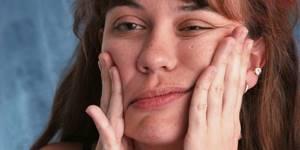 Как распознать симптомы онемения лица при шейном остеохондрозе и что нужно делать? Немеет лицо: причины, симптоматика, лечение
